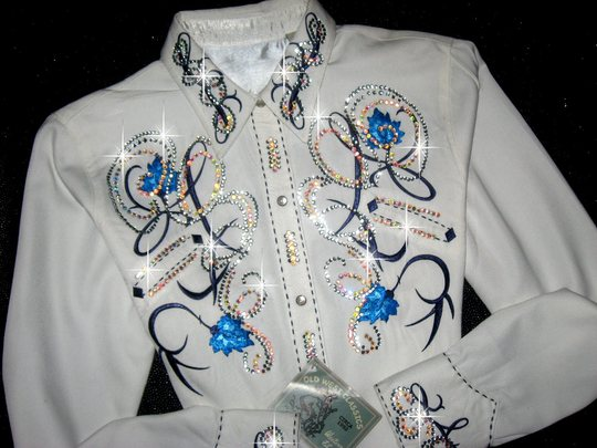 Embroidered Blue Roses! Classic Roper Shirt!!!