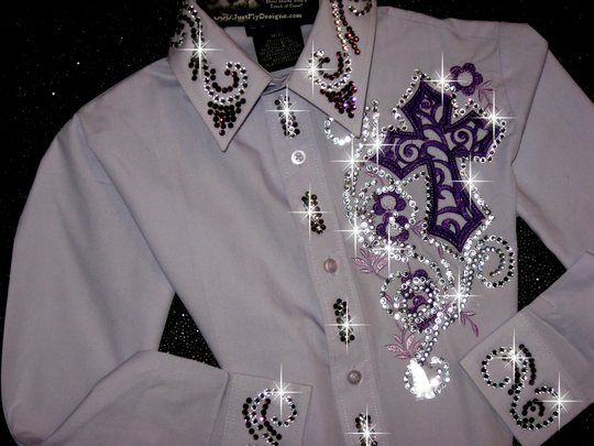 YOUTH LAVENDER SIZE 8 EMBROIDERED CROSS